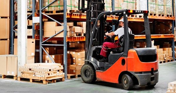 4 formas de incluir a los operarios de logística en su estrategia digital